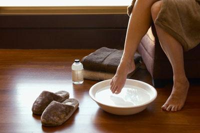 ванночки для ног с морской солью и содой