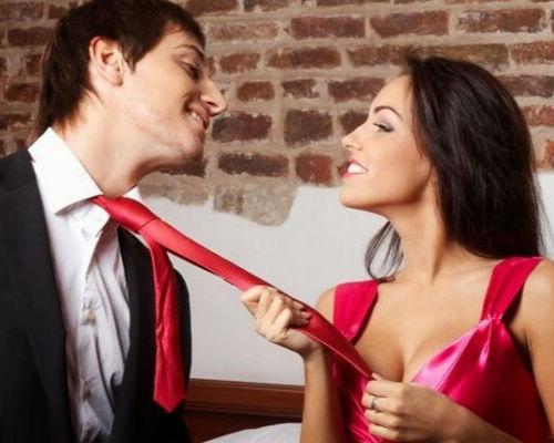 Как обратить на себя внимание мужчины: советы