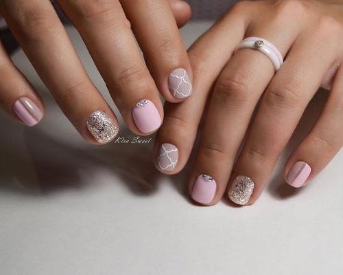 Ногти покрытые гель - лаком для школьниц 4