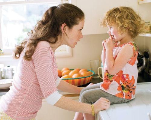 Как поступить родителям если ребенок ест козявки