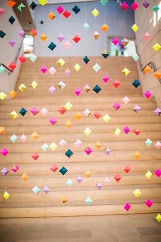 Гирлянда из бумаги: разноцветные шарики