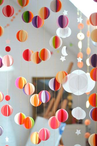 Гирлянда из бумаги для Нового года: мячики