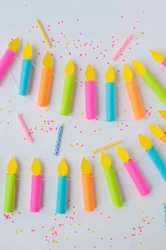 Идея гирлянды из бумаги для Нового года: свечи