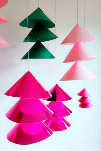 Идея гирлянды из бумаги для Нового года: ёлки