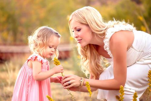 Красивые и трогательные стихи ко дню мамы
