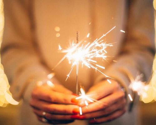 Новогоднее гадание на бенгальских огнях