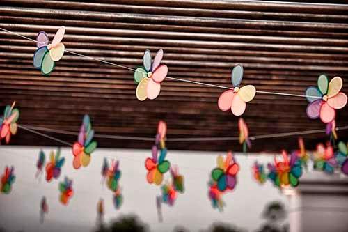Идеи гирлянд из бумаги для Нового года: цветочки