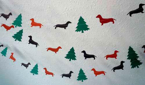 Идеи гирлянд из бумаги для Нового года: ёлочки и собочки