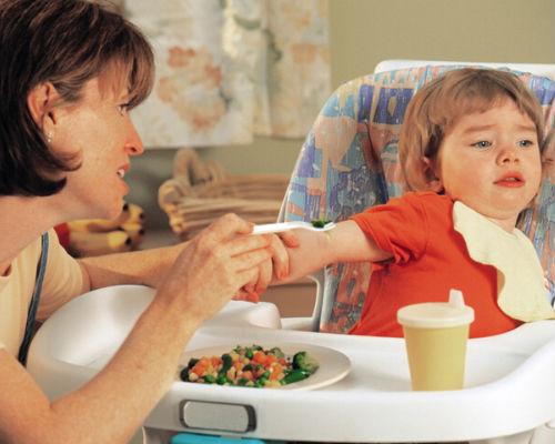 Ребенок плохо ест, как быть и что делать