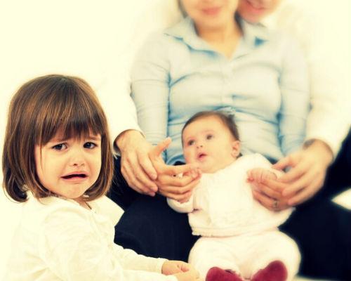 Секрет воспитания старших и младших детей в семье