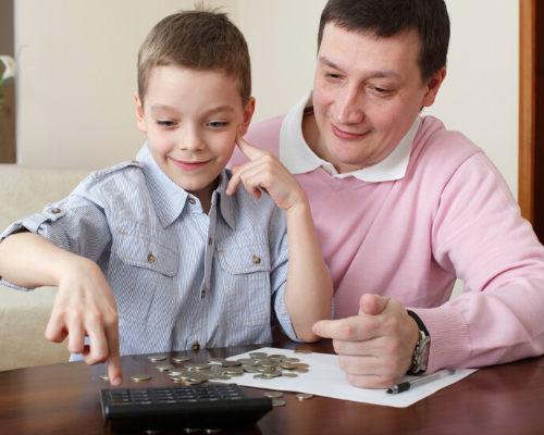 Давать ли карманные деньги ребенку