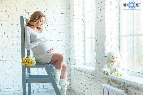 Фотосессия беременных в студии идеи для вдохновения 3