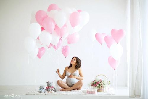 Фотосессия беременных в студии идеи для вдохновения 4