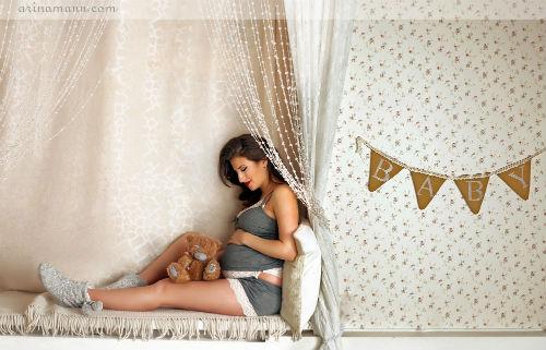 Фотосессия беременных в студии идеи для вдохновения 5
