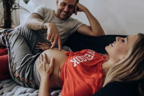 Идеи для фотосессии беременных с мужем 2