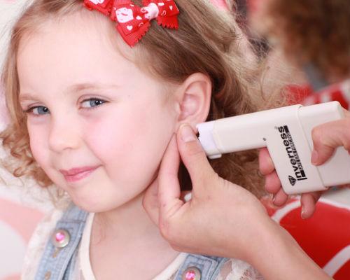 Во сколько можно прокалывать уши девочке