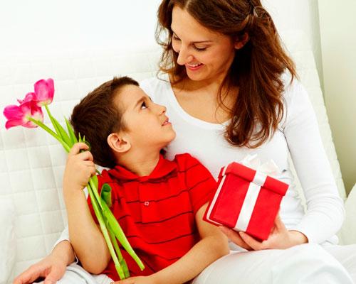 Красивые поздравление маме с 8 марта в стихах