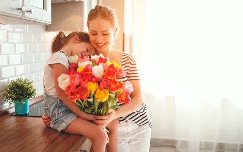 Красивые поздравление дочери с 8 марта