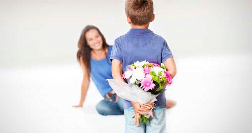 Короткие и красивые поздравление маме с 8 марта в стихах