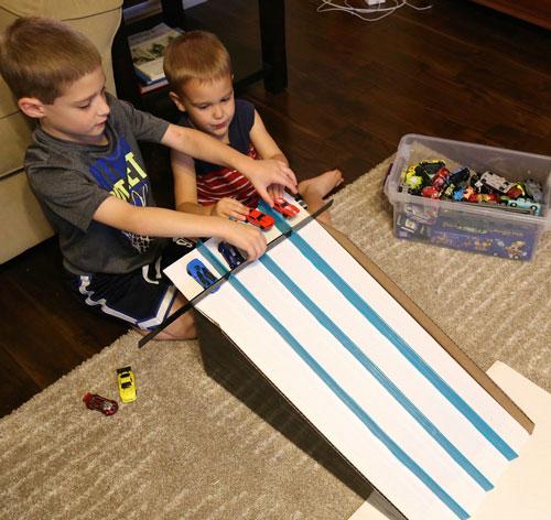 чем занять ребенка дома: лучшие идеи