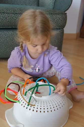 Чем занять ребенка дома надолго