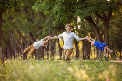 Лесная фотосессия и идеи для девушек, для двоих - любовной или семейной пары 5