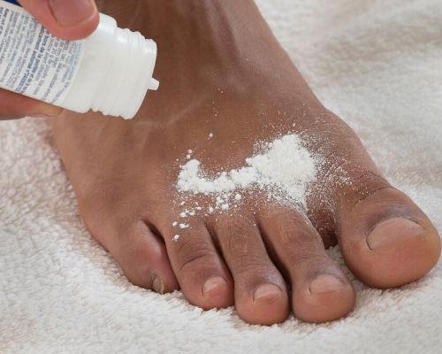 Народные средства борьбы с неприятным запахом ног