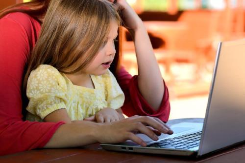 когда ребенок за компьютером