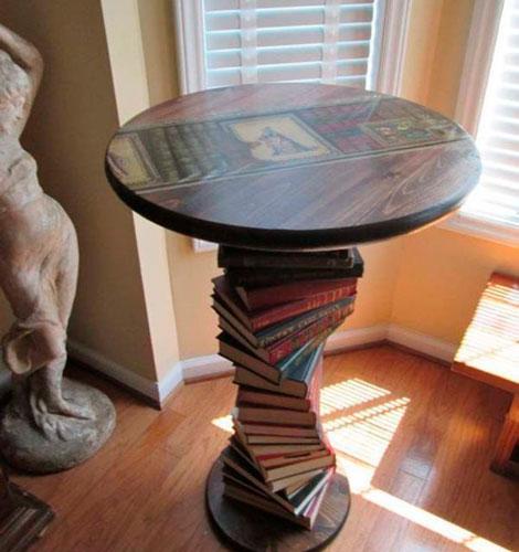 Что можно сделать своими руками в домашних условиях: стол из журналов