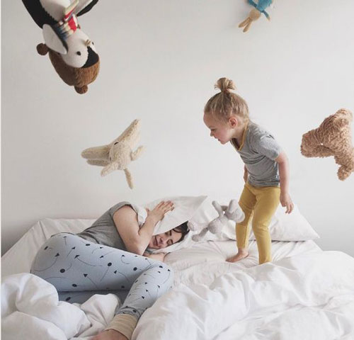 идеи забавного фото в студии с ребенком