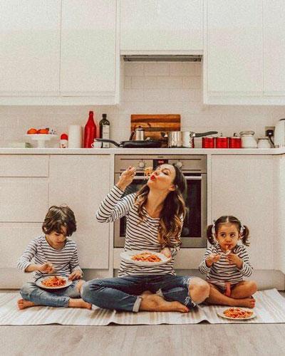 Фотосессия с ребенком в студии и дома