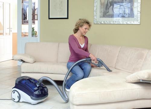 как почистить эффективно мягкую мебель самостоятельно