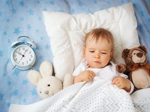 ребенок много спит что делать