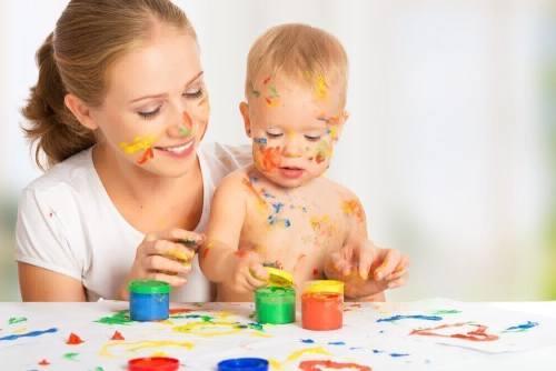 как научить рисовать с года