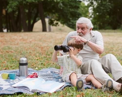 как влияет общение с дедушками
