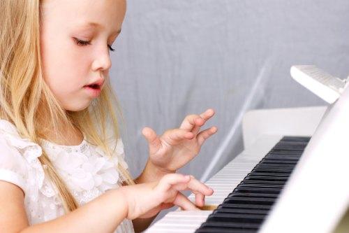 отдавать ребенка в музыкальную школу