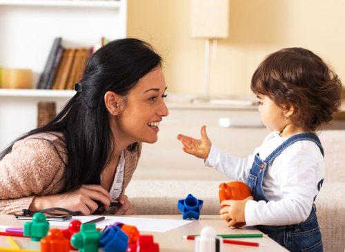 в каком возрасте ребенок должен говорить