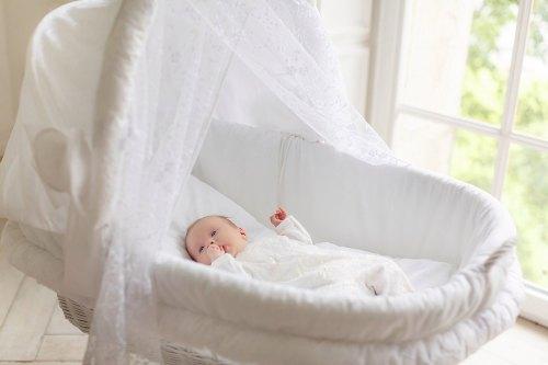 выбрать кроватку новорожденному