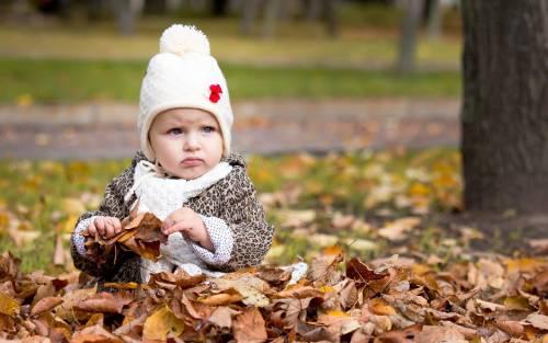 одевать осенью ребенка