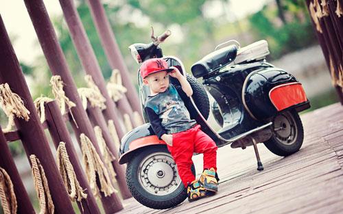 Загадки про мотоцикл для детей с ответами