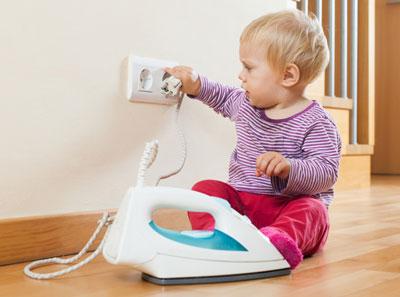 Безопасный дом для ребенка: электричество