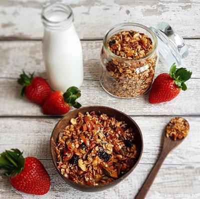 Быстрый завтрак для школьника: мюсли по-домашнему