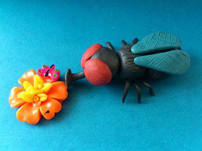 муха из пластилина для детей