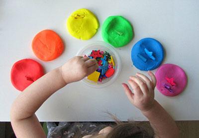 Как ребенка выучить цветам