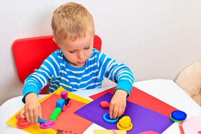 научить ребенка в 2 года различать цвета