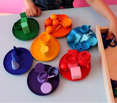Как научить ребенка различать цвета 1
