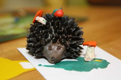 идеи поделки ежа из пластилина для малышей 2