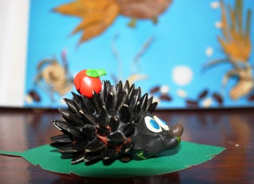 идеи поделки ежа из пластилина для малышей