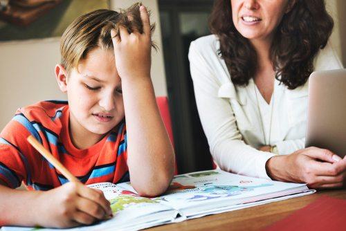 почему ребенок не хочет делать уроки