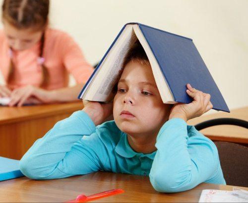 ребенок не хочет делать уроки дома
